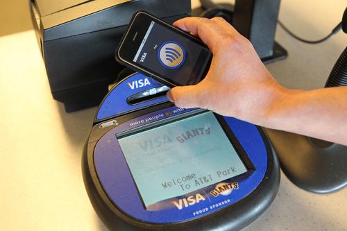 ماهي تقنية ال NFC ما أستخداماتها Iphonenfc