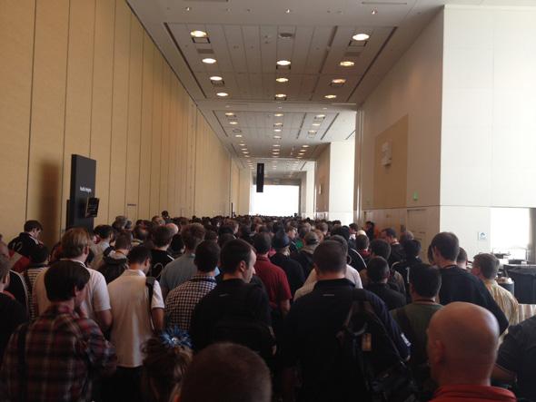 آي-فون إسلام مؤتمر السنوي للمطورين WWDC-12-Live-02.jpg