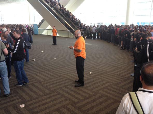آي-فون إسلام مؤتمر السنوي للمطورين WWDC-12-Live-03.jpg